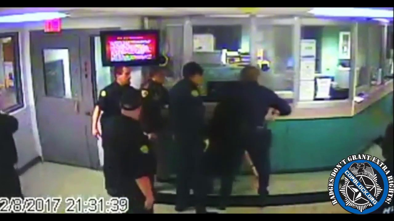 Kentucky Deputies Erupt Into Full-Blown Cop Brawl in Front