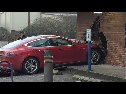 Tesla Crash And Fail Compilation