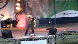Benny Benassi pres. The Biz : Live Show in Novgorod / Russia / 2004 /