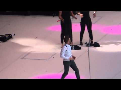 Olly Murs - Wrapped Up - Summertime Ball