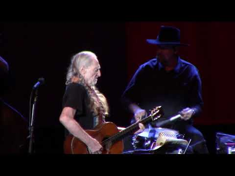 Willie Nelson live at Show Me Center, Cape Girardeau, MO 04/15/18 Part 2 {FULL HD}