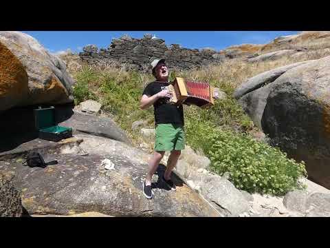 Cantiga de Leviatán: Xurxo Souto nas illas Lobeiras
