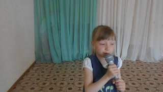"""Песня """"Все улыбки, мама, тебе"""". Поет Лера Нестеренко. Д/с № 42 """"Пингвинчик"""", 7 лет,г. Верхняя Салда."""