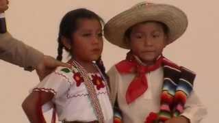 F y S Bailando el Jarabe Mixteco 7 Ago 2012