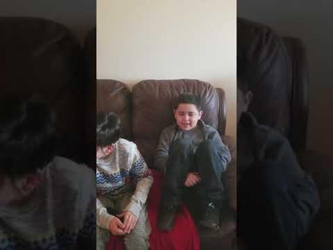 Boy sings better than el fantasma
