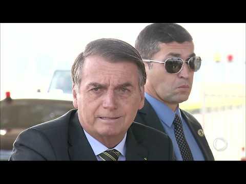 Bolsonaro diz que ONGs podem ter provocado queimadas na Amazônia