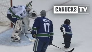 Repeat youtube video Little Kesler Scores a Goal