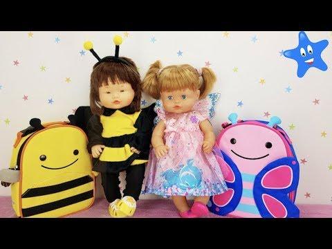 Ani y Ona estrenan vestidos de carnaval y mochilas para la fiesta del cole Muñecas y Juguetes