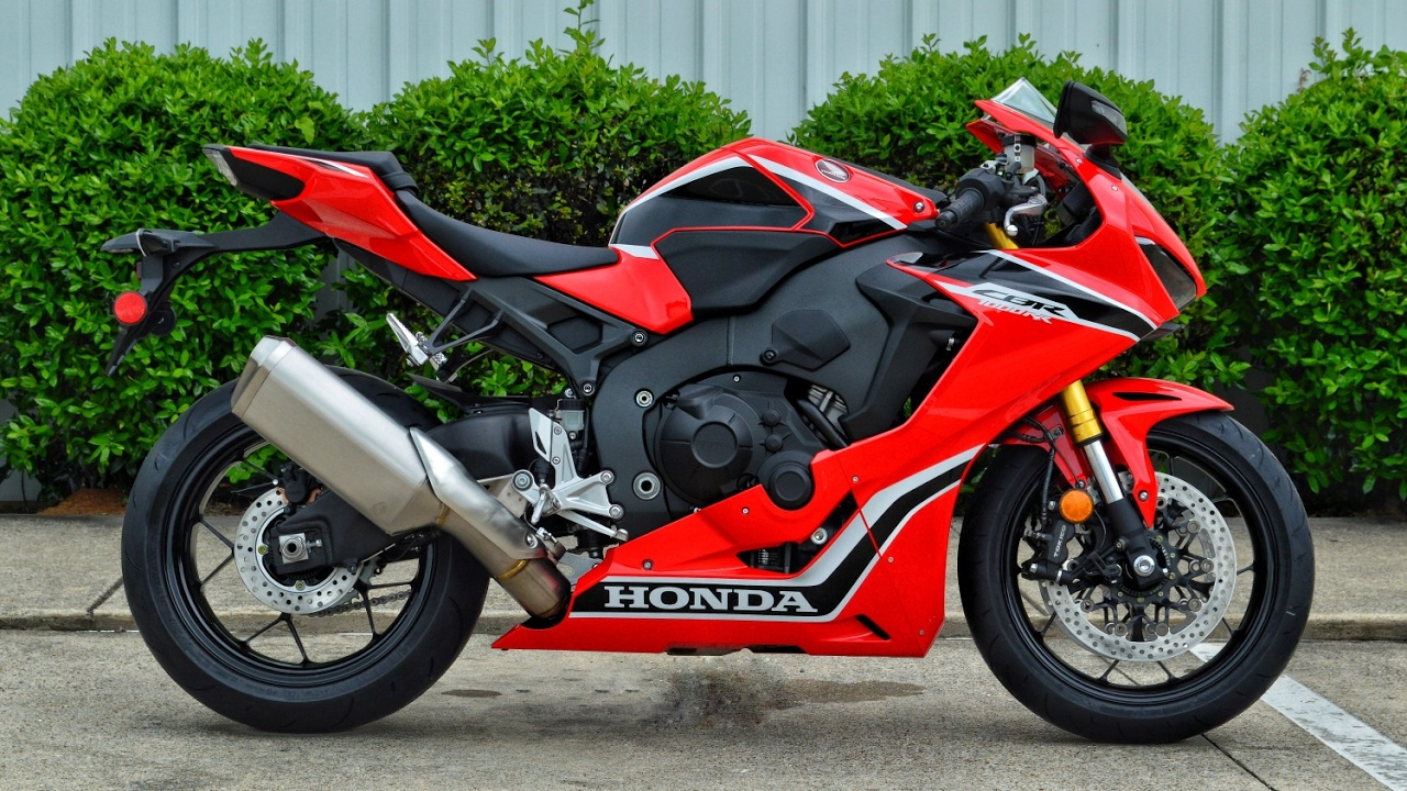 2017 honda cbr1000rr review of specs cbr sport bike motorcycle walk around cbr 1000 rr. Black Bedroom Furniture Sets. Home Design Ideas