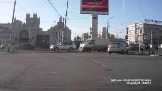 Неразбериха со знаками возле Белорусского вокзала.