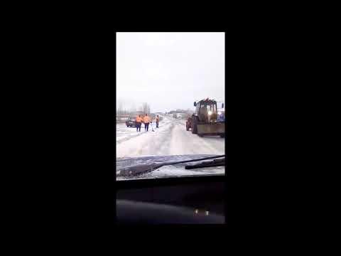 Это Россия детка - Зимняя укладка асфальта в Алексеевке !!