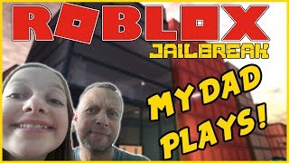 ROBLOX Enseigner à mon père comment jouer Roblox Jailbreak - Tia joue Jeux