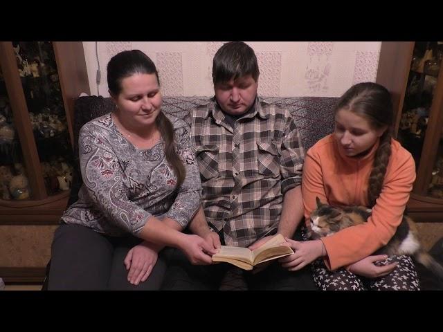 Изображение предпросмотра прочтения – НатальяПолухова читает произведение «Не в духе» А.П.Чехова