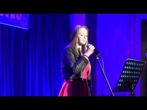 Martina Miotto canta I Will be Unisono Feltre Festa della musica
