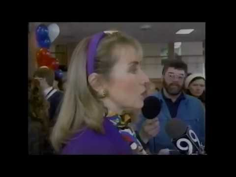 Hillary Clinton Insults Stay-at-Home Mothers in 1992