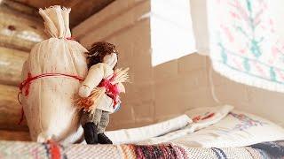 Видео-урок по изготовлению народной куклы Спиридон Солнцеворот(Каждую пятницу в музее «Тульские древности» проходят занятия из цикла «Народная кукла». На них дети и взрос..., 2015-12-25T20:18:34.000Z)