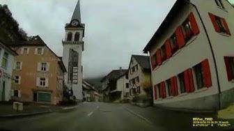 CH: Niederdorf. Oberdorf. Waldenburg. Kanton Basel-Landschaft. Ortsdurchfahrt. Oktober 2019