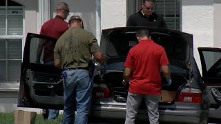 FBI combs through homes of Orlando gunman and family