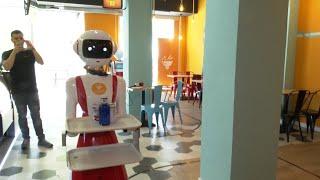 Los robots camareros llegan a València