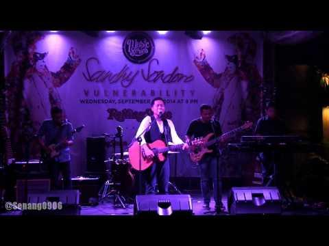 Sandhy Sondoro - Tak Pernah Padam ~ End Of The Rainbow @ Rolling Stone Cafe Jakarta [HD]
