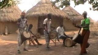 Percusion Kouroussa (Guinea).mpg