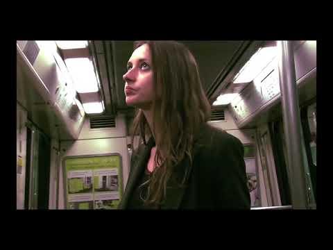 Vidéo Court metrage - je réalise la voix off sur les images où je joue la passagère du métro