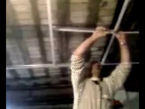 Montaje falso techo youtube for Como poner pladur en el techo