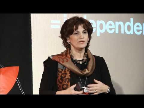 TEDxEroilor - Simona Baciu - Dă mai departe prin educaţie