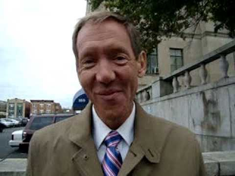 "**Fox News' Carl Cameron - ""Thank You For The Pin""** Hartford, CT Oct. 4, 2010.wmv"