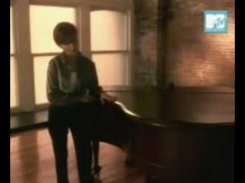 Martina McBride Valentine OFFICIAL VIDEO