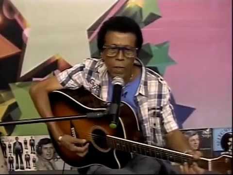 MIRO ALVES INTERPRETA CANTOR PAULO SERGIO