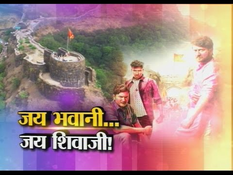 Show Time with 'Baghtos kay mujra kar'film team