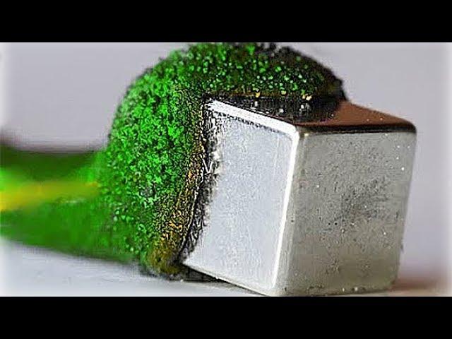 это необычное вещество как будто съедает металл...