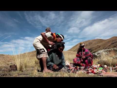 Caminata con chamanes Q'ero por Madre de Agua en el Peru de los indigenas
