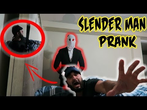 (HE HAD A SWORD!) SNEAKING INTO FRIENDS HOUSE AS SLENDER MAN