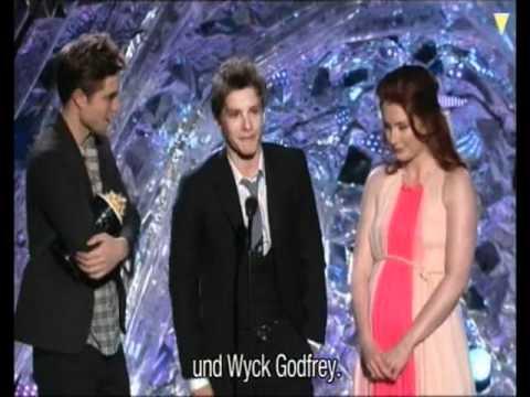 Robert Pattinson - BEST FIGHT - MTV Movie Awards 2011