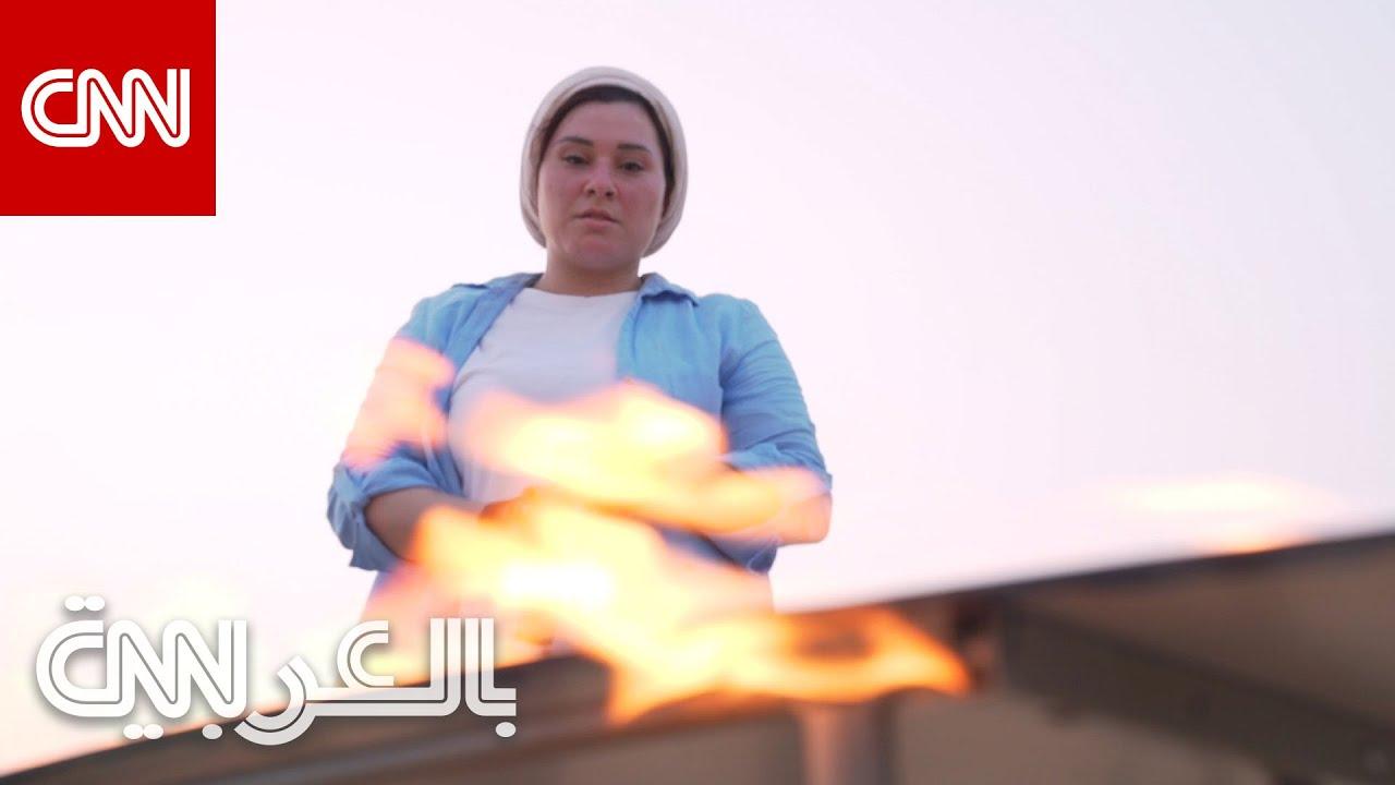 فنانة مصرية تشعل النار في أعمالها الفنية بصحراء دبي.. لماذا؟  - 21:55-2021 / 7 / 24