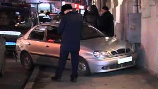 В центре Харькова столкнулись восемь машин(, 2011-12-02T01:18:28.000Z)