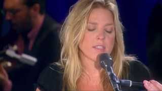 Walk On By (Live In Rio) HD - Diana Krall
