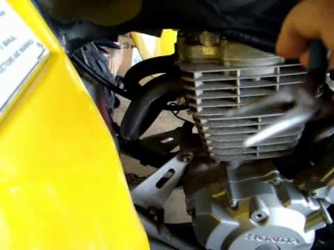 Honda 400EX Valve Ajustment and Oil Change Part 1