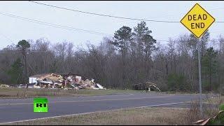Последствия разрушительного торнадо в США, жертвами которого стали не менее 18 человек