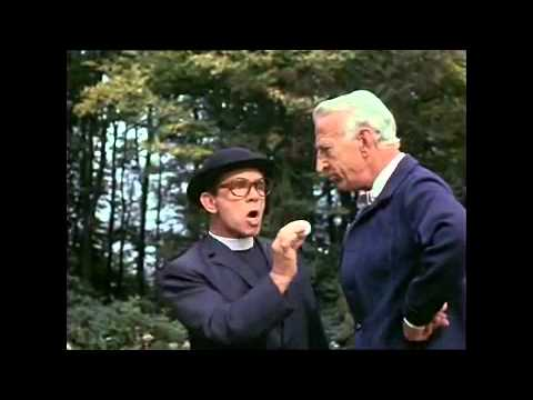 Norman Wisdom - The Early Bird-Vicar Golf Course S