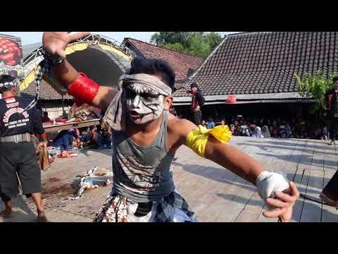 BANTENGAN NGAMUK.New Satrio Mudo live lengkong Nganjuk