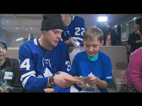 Maple Leafs visit patients at Toronto's SickKids hospital