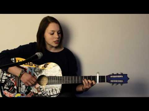 Nightcall - Kavinsky & Lovefoxxx (Sarah Mia acoustic cover)