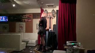 マジックバーTRIANGLEで名物のステージマジックです‼   オーナー丸山真...