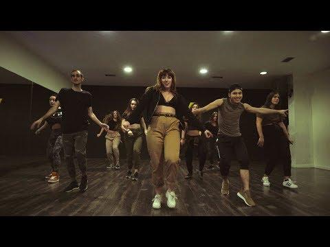 "Latin Urban by Maira  ""Ella le da la cintura"" Nfasis"