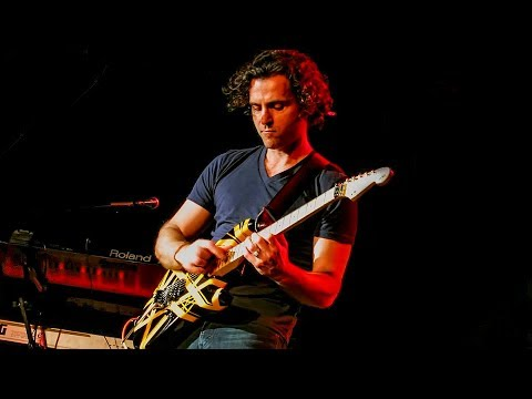 Dweezil Zappa - Eruption (Van Halen) streaming vf