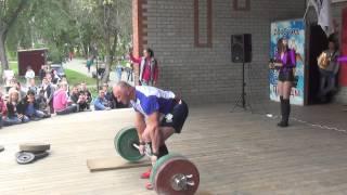 Дмитрий Кононец становая тяга 162.5 кг х 45 раз. Челябинск 2015. Соревнования по народной тяге.