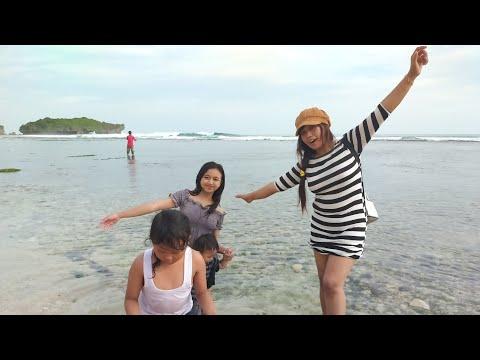 tempat-wisata-pantai-krakal-gunung-kidul-yogyakarta-indonesia